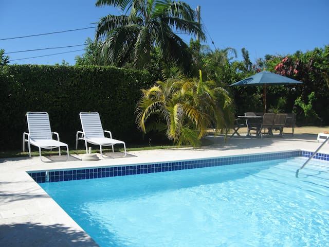 Natalia Studio & Pool, Bermuda - Warwick - Appartement