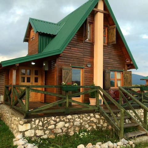 Mountain Vista Lodge - Tepačko Polje - House