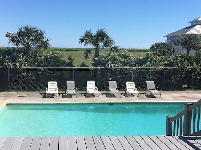 Sportsman Paradise Beach House - Grand Isle - Talo