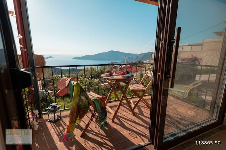 Nefis Kalkan manzaralı müstakil villa