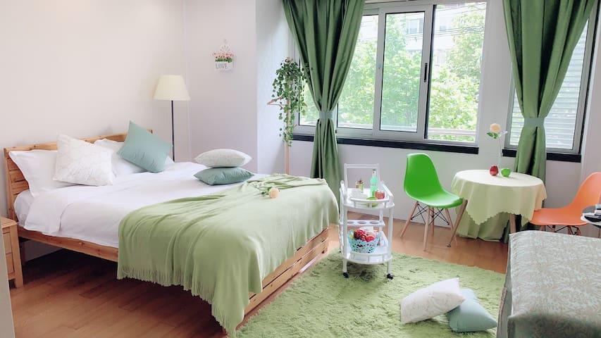 东关街 何园 个园 瘦西湖 古运河畔 带院 温馨 大床房 位置优越