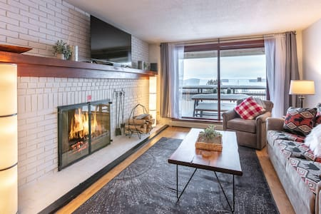 Ski On-Ski Off Condo-Wood Fire Place & King Bed
