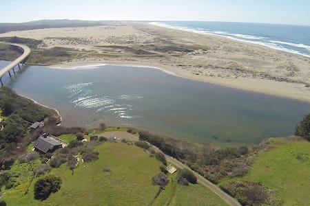 Ten Mile River and Beachfront Home. - Fort Bragg - บ้าน