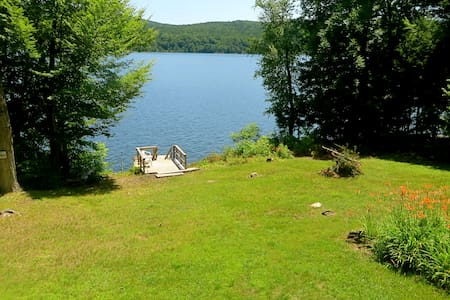 Cottage on Great Sacandaga Lake - Hus