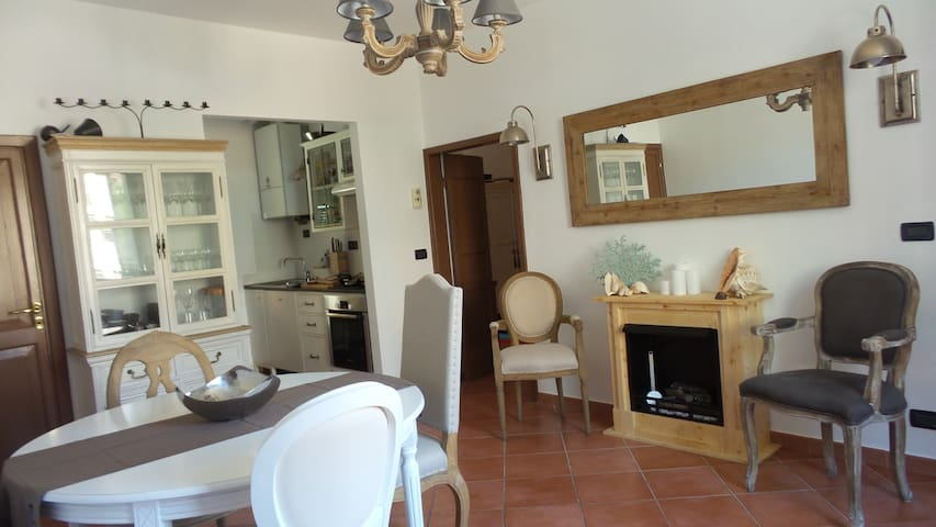 Charming flat close to the beach - Sori