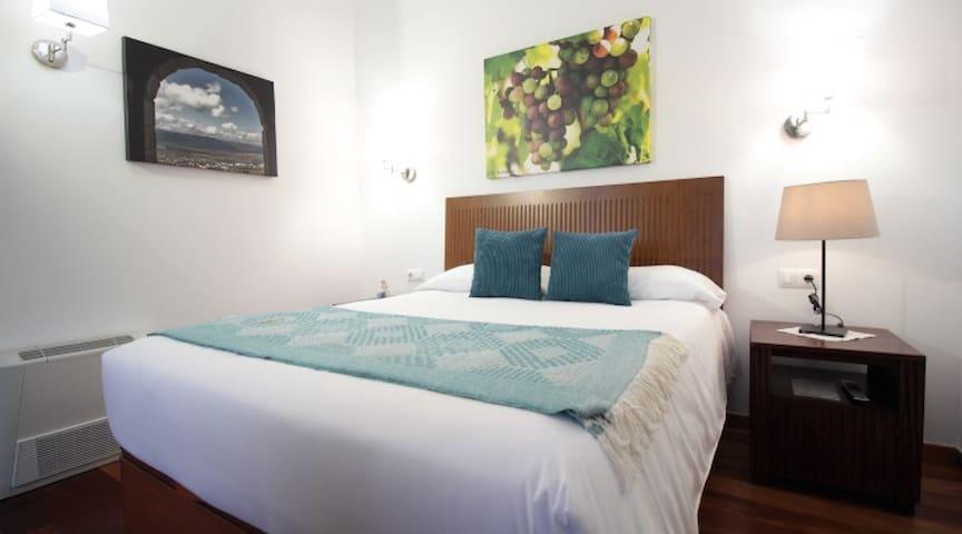 VINOSOBROSO-Habitación Monterrei-Desayuno Incluido
