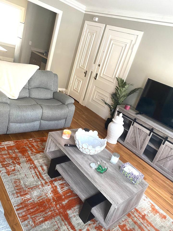 Midtown - Blackstone Area Nice cozy place to stay!