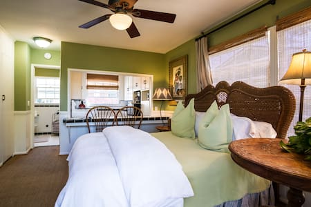 The Foxglove Studio features a small great room with a queen size bed, one bath, shower only, and a full kitchen with all the necessities to make the guests feel at home.