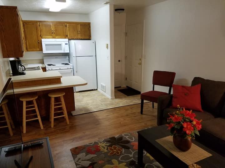Muir's Place - Comfortable Getaway w/Garage
