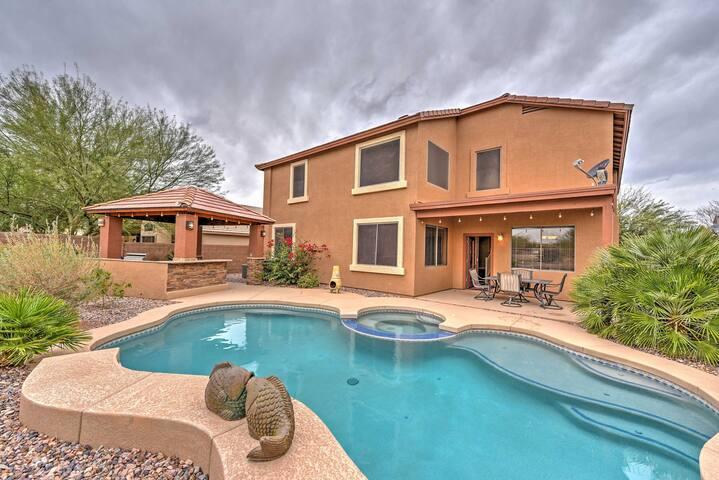 5BR Phoenix House w/Private Pool & Hot Tub - Maricopa