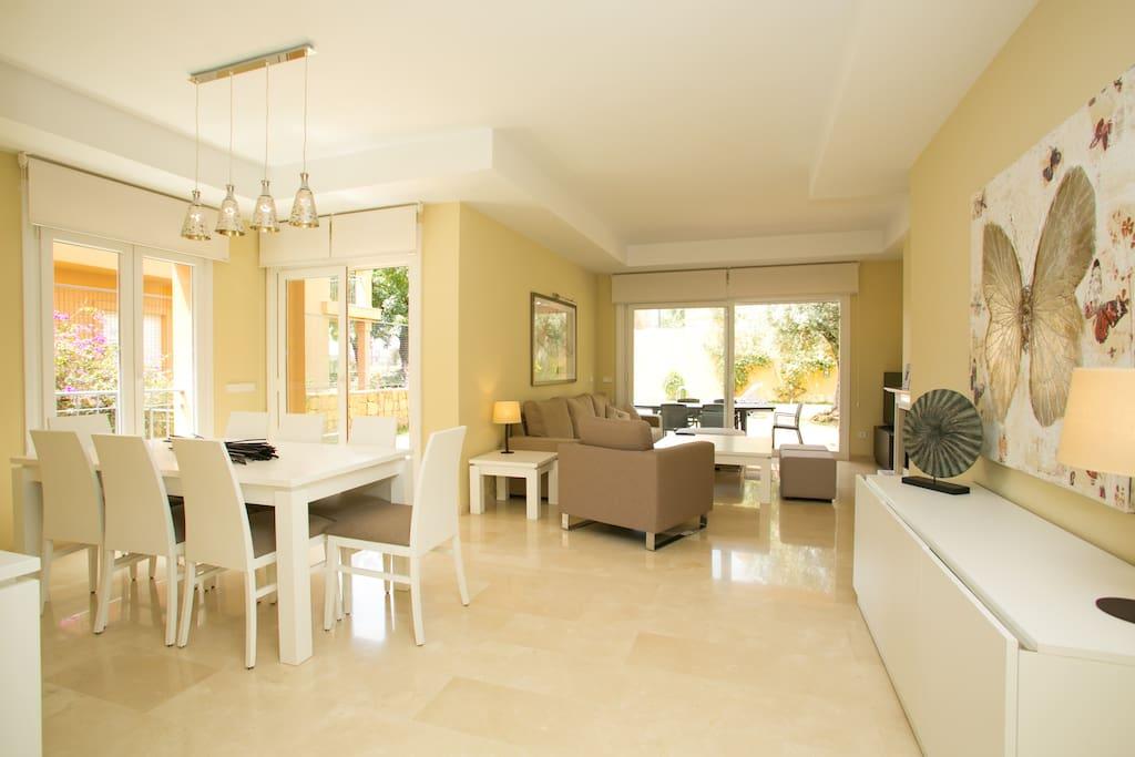 Villa altos de marbella houses for rent in marbella - Sofas en marbella ...