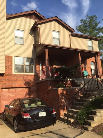 Beautiful Chesterfield Condo - Chesterfield