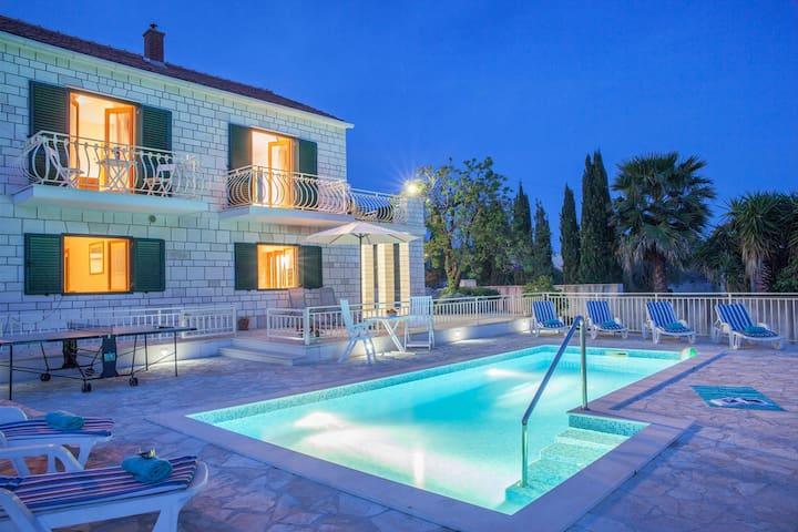 Villa Vjeka with pool, family villa, terraces