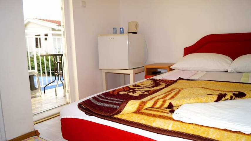 Small double room Marko - Budva - Maison