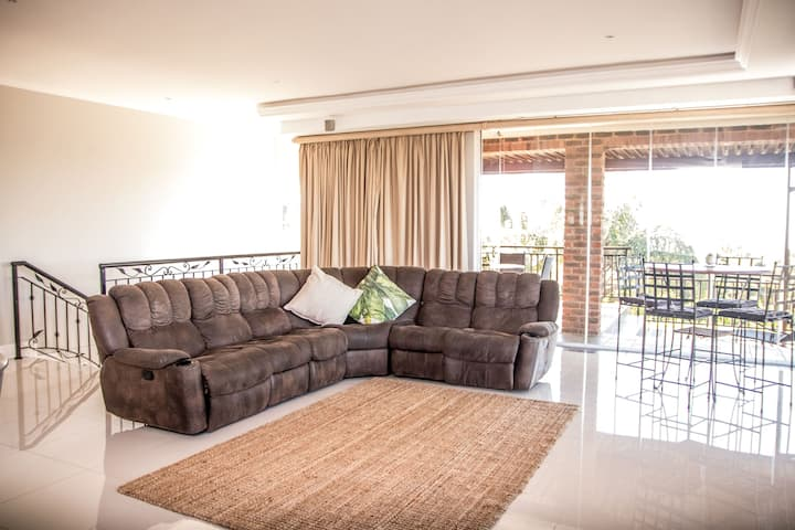 Large Modern Apartment for Business or Holiday