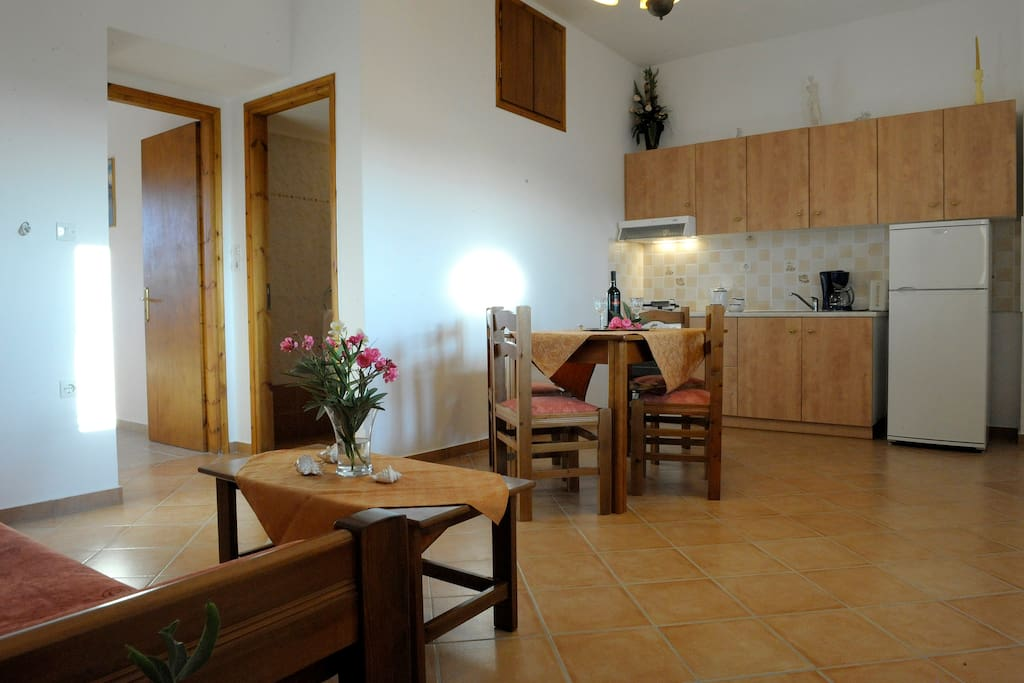 Spacious appartment, cool and quiet, ideal for families. Sofa becomes double sized bed