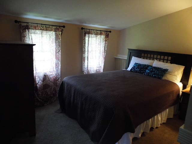 2nd Floor Country Suite - Bloomington - Dormitorio para invitados