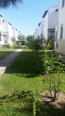 Yazlık site içinde kiralık villa - Sultaniçe Köyü - Villa