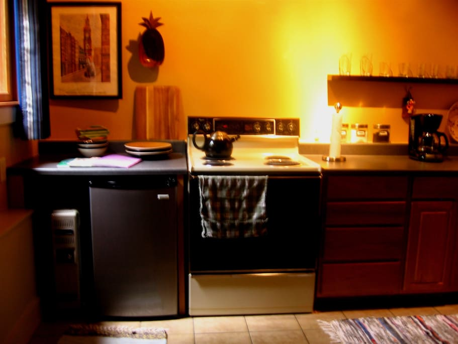 Fully equipped kitchen, stove, oven for baking if desired, refrigerator, coffee, tea and sugar provided