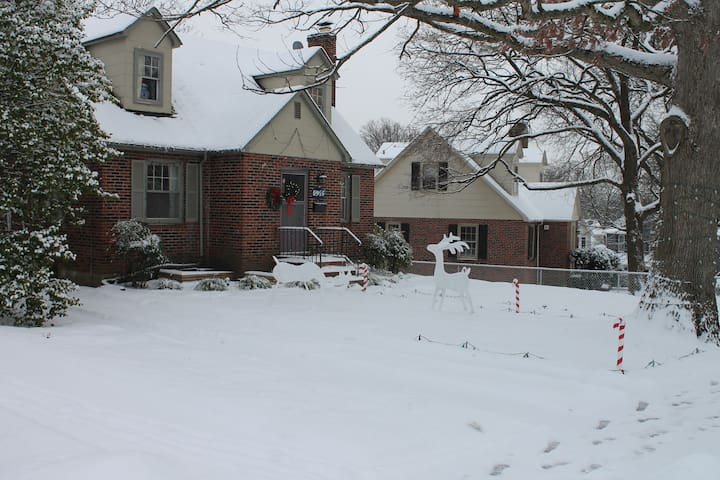 The house in the wintertime