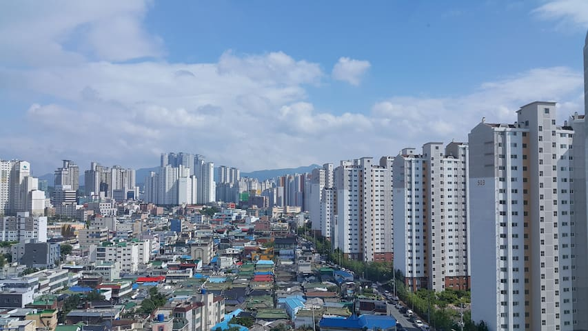 Studio with a Great View at Subway Station 1 min. - Dong-gu - Apartment