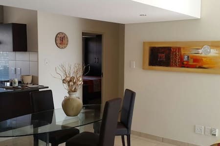 Feel at Home in Sandton, Joburg - Sandton - Wohnung