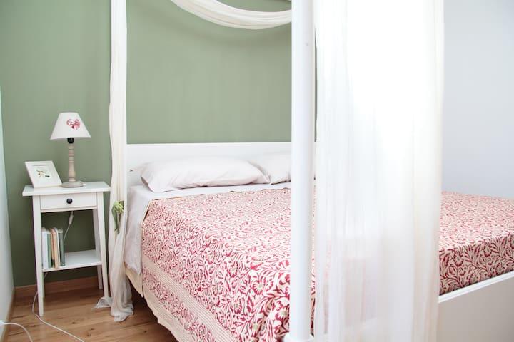 """Chez Nous B&B """"Romántica Oliva"""" - Borgo Maggiore - Bed & Breakfast"""