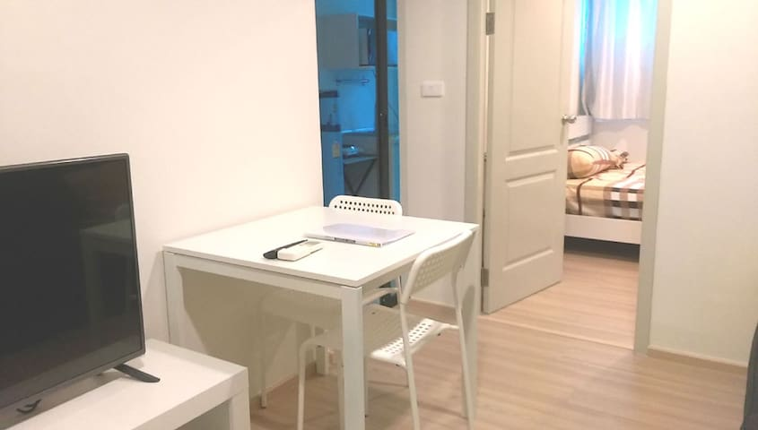 B-Loft 115 New Condo (PHONE NUMBER HIDDEN)㎡ - Bangkok - Apartment