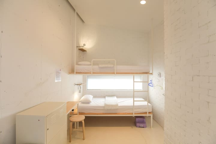Group room 3-4persons_share bath - Jeju-si - Bed & Breakfast