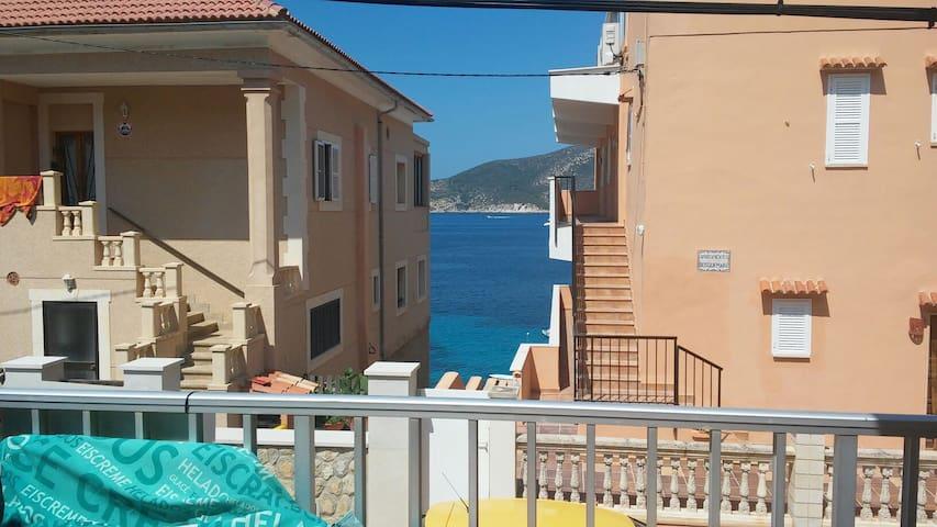 Apartamento a pocos metros del mar - Sant Elm - Apartamento