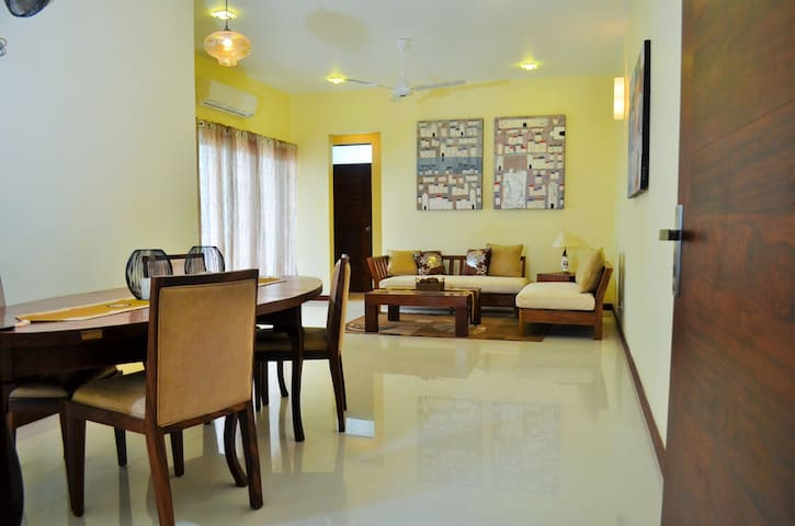 Elegant Apartment Bordering Colombo