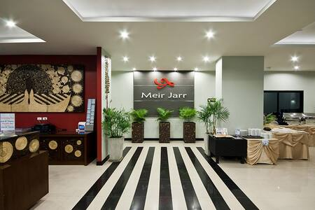 Meir Jarr Hotel By Standard Rooms - Kathu - Bed & Breakfast