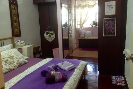 ASHLEY'S HOMESTAY- Lavender Fields (Room 1) - Ipoh - Ház