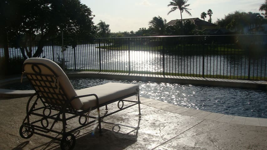 Large Room Lakefront Pool Home -Fort Lauderdale - Weston - Casa