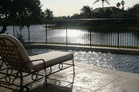 Large Room Lakefront Pool Home -Fort Lauderdale - 韦斯顿 - 独立屋