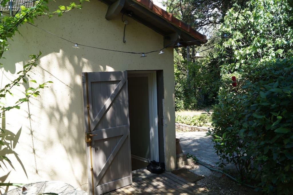 terrasse jardin de 8 m² avec transats