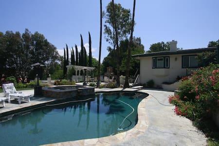 Happy Valley Gem Breakfast and Pool - 圣塔克拉利塔(Santa Clarita) - 独立屋