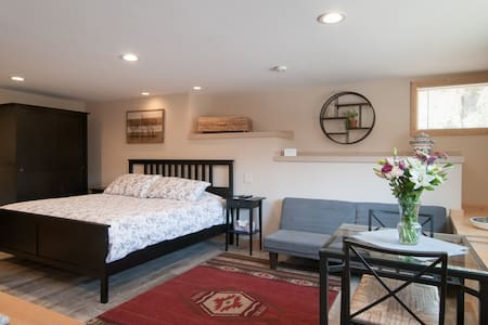 Studio in Squaw Valley, perfect for 2 guests !