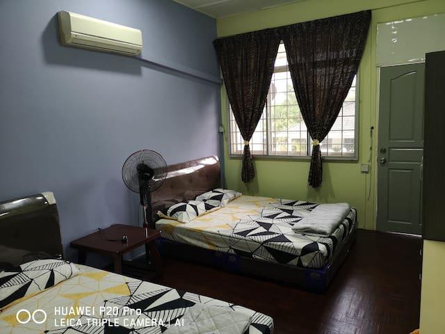 JR21 Room 2