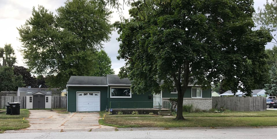 3 bedroom ranch home close to Notre Dame campus