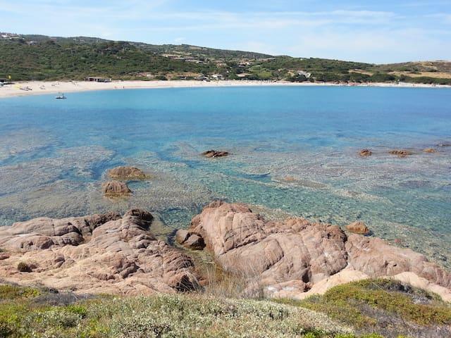 ISOLA ROSSA A 40 MT DALLA SPIAGGIA - Isola Rossa