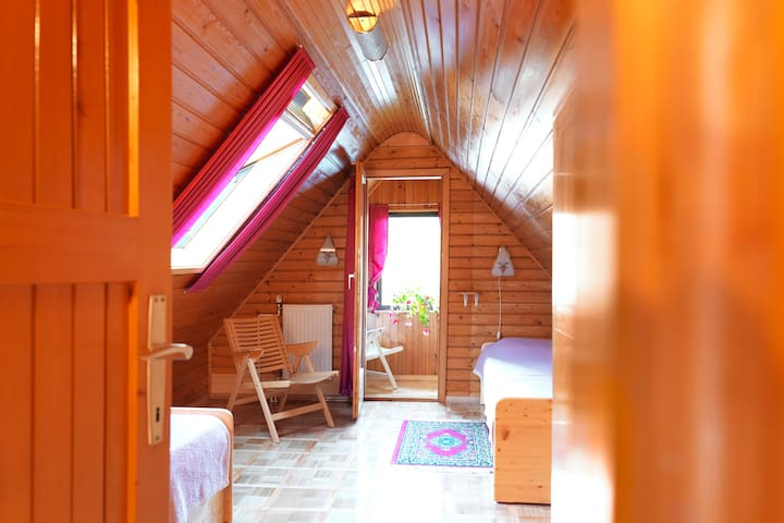 Red Apt 2BR, balcony and garden - Bohinjsko Jezero - Appartement