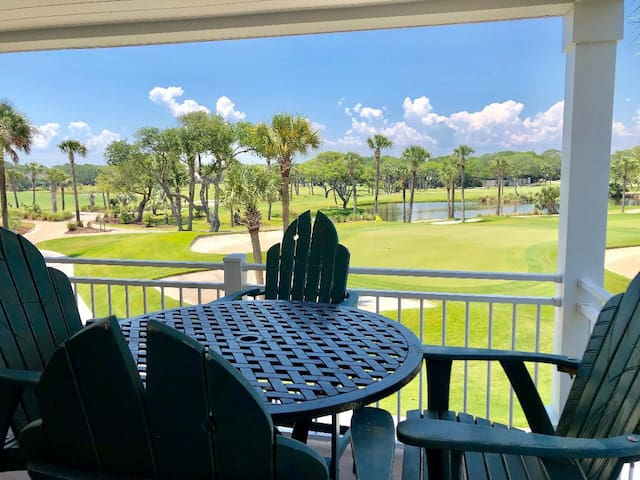 1st Floor Villa with Golf Views! Pet friendly! Amenity Cards Included!