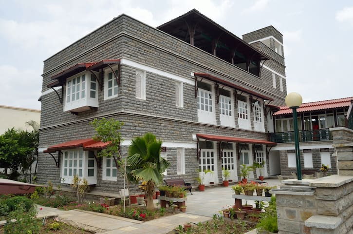 Sajjan Niwas- A homestay - Udaipur - Bed & Breakfast