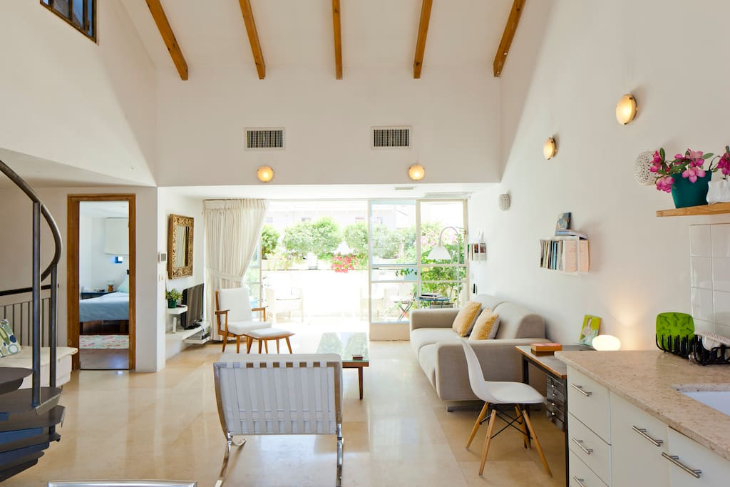 Living room terrace side with very high ceiling