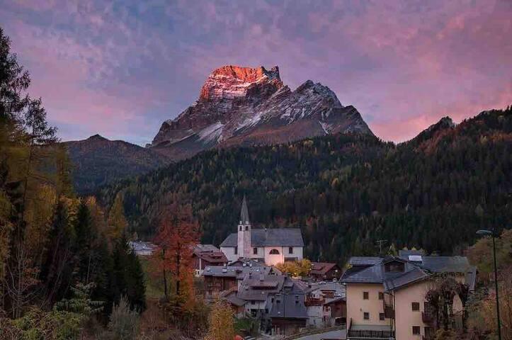 Romantic Gem in the Spellbinding Dolomites