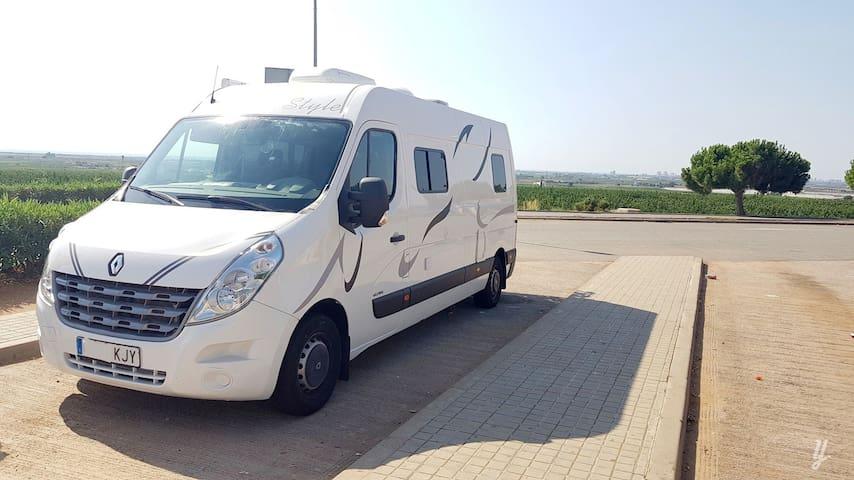 Fantastica autocaravana Camper a estrenar con todo