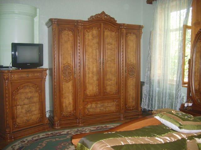 "Guest House ""Svetlana"" Gori-Georgia - Gori - Aamiaismajoitus"