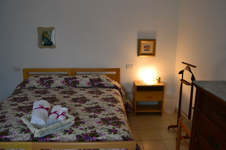Hospitable Lemon room - Chieti - Bed & Breakfast