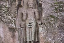 """Rock statue near to Weligama which is called """"Kushtarajagala"""""""